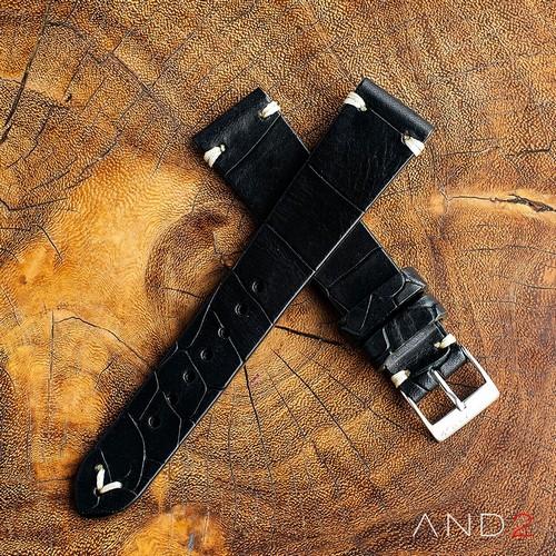 Vintage Cracked Croco Black Leather Strap 20mm(White V-Stitching)