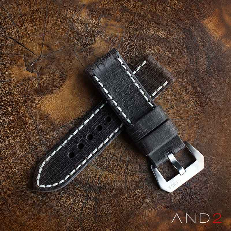 Damage Black Vintage Strap