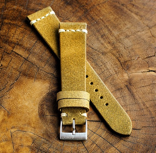 Chamonix Dark Gold Leather Strap 20mm (White Cross Stitching)
